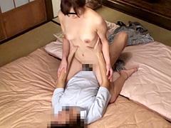 【エロ動画】妻に内緒で馴染みのマッサージ師に性感を頼んだらのエロ画像