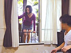 【エロ動画】夫と喧嘩して息子のアパートにきた母 筒美かえでのエロ画像