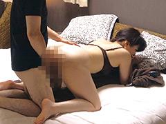 堅物な年上妻を騙して性感マッサージを…小日向こゆき