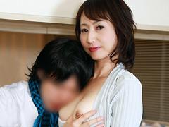 【エロ動画】娘の彼氏に発情して 彼女のお母さんのエロ画像