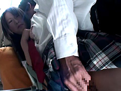 清純女子校生をバスの中で痴漢したら
