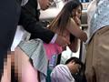 すし詰め満員バスでムチムチ尻が僕の股間にド...