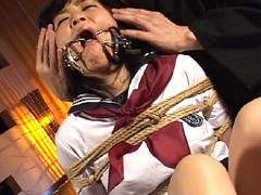 【エロ動画】緊縛!女子校生 セーラー服とさるぐつわのSM凌辱エロ画像