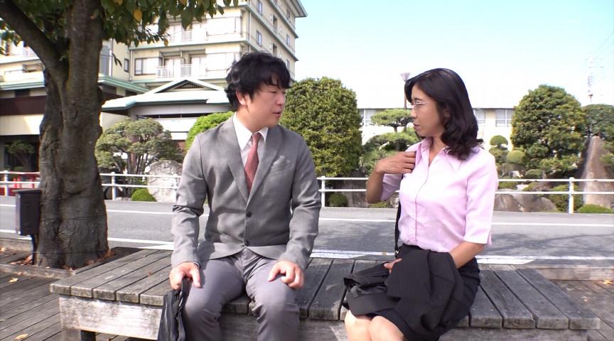 憧れの女上司と 菊市桃子