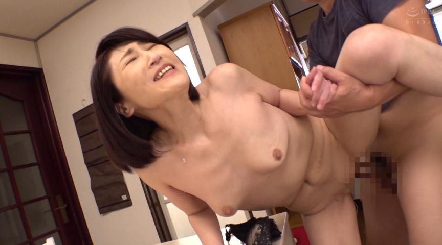 エロ動画7 | 母姦中出し 息子に初めて中出しされた母 徳山翔子サムネイム04
