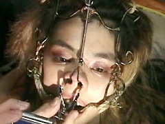 【エロ動画】鼻責めパーティー 外国人編のエロ画像