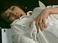 昼下がり、カーテンを閉めて自宅ベッドで客と寝る団地妻 17