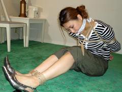 東京緊縛隷嬢 囚われた若妻の苦悶