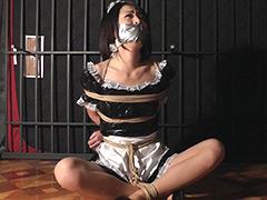 「東京緊縛 受難のメイド千明 屋根裏部屋のお仕置」のパッケージ画像