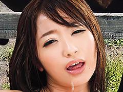 【エロ動画】馬用興奮剤を飲んだ男女が中出し種付けSEX 初美沙希 - エロ動画!企画もの