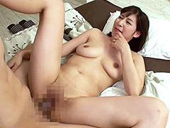性欲が強すぎる母に愛する彼氏を寝取られた 音海里奈-【熟女】