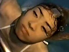 【エロ動画】顔スト水中 その壱 - 極上SM動画エロス