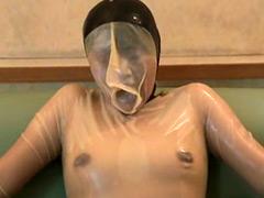 【エロ動画】ラバーマスク&バキュームベッド呼吸制御 その壱 - 極上SM動画エロス