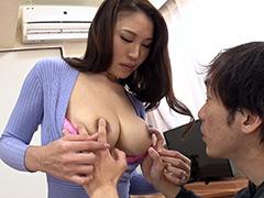 【エロ動画】童貞息子の将来を気にした巨乳の母が優しく性教育!4のエロ画像