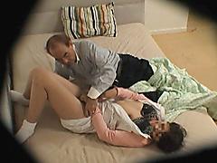 【エロ動画】看護師を呼んで、どこまでセクハラに耐えられるのかのエロ画像