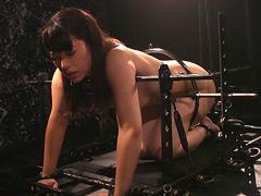 【エロ動画】鉄縛 熱くタギる冷たい野汁 中里美穂のエロ画像