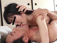 【エロ動画】美少女と接吻と、おじさん。のエロ画像