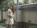 野外痴熟女 子宮口オナニーのサンプル画像01