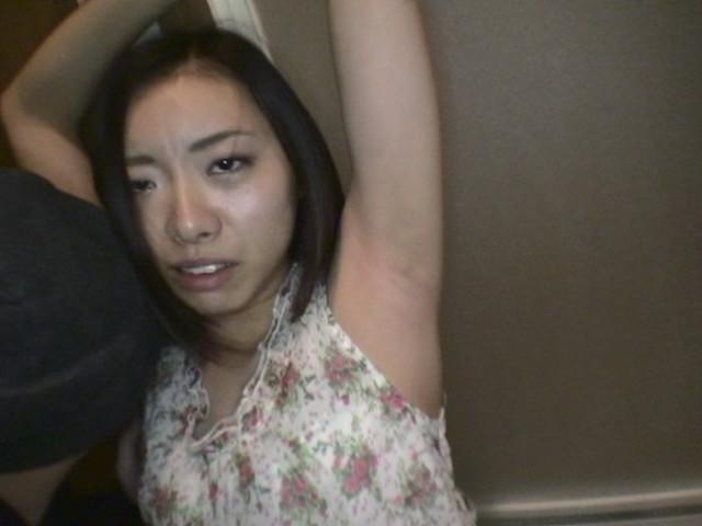 素人女性のワキ 100人8時間 画像 25