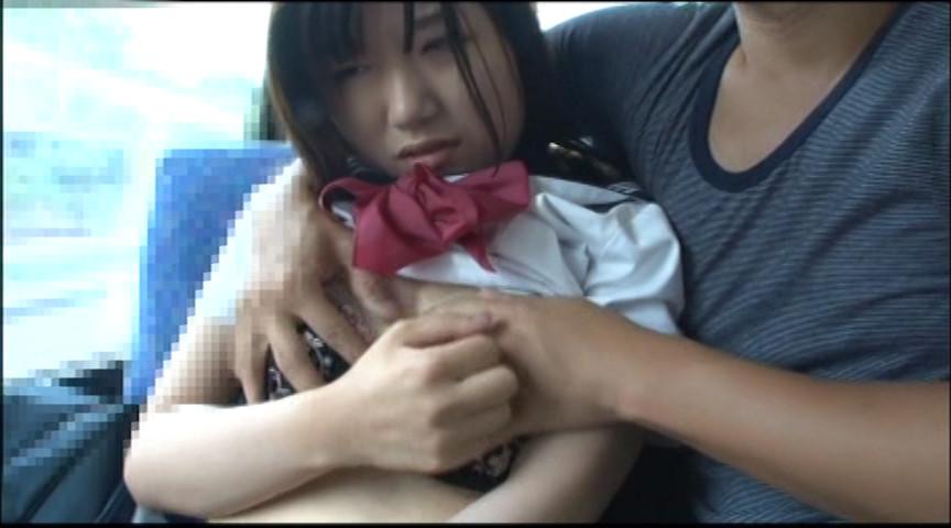 通学途中の路線バスで狙われる女子校生 の画像1