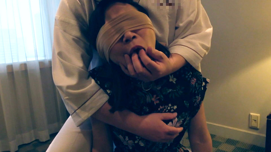 息子に調教されるセレブ妻・沙知代【奉仕訓練編】のサンプル画像