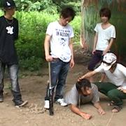 不良少年集団が白昼堂々とオヤジ狩り!ついでに性処理!