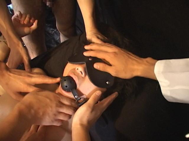 多数の手、多数の電マ、多数のペニスに犯される少年!! の画像2