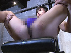IKUZE-腹筋バキバキのバリタチ青年「らいと」がアナル初解禁で覚醒!?