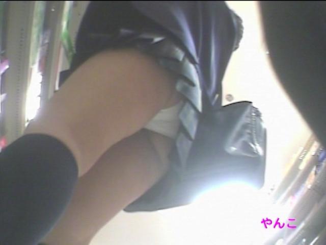 必殺!!靴カメローリングパンチラ Vol.4 画像 8