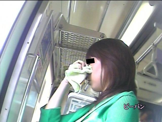 美脚ローアングル ~通勤パンチラお姉さん~ 画像 10