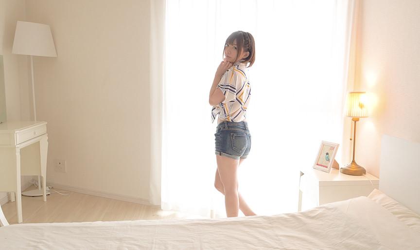 超可愛い人気女優 麻里梨夏チャンの羽根くすぐり地獄!