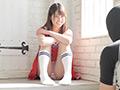 大人気女優 あおいれな足裏&乳首くすぐり!のサムネイルエロ画像No.1