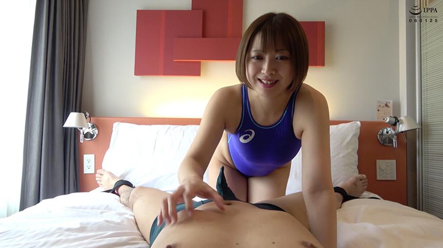 大人気女優 優木なおチャンのM男くすぐり&手コキプレイ 画像 1