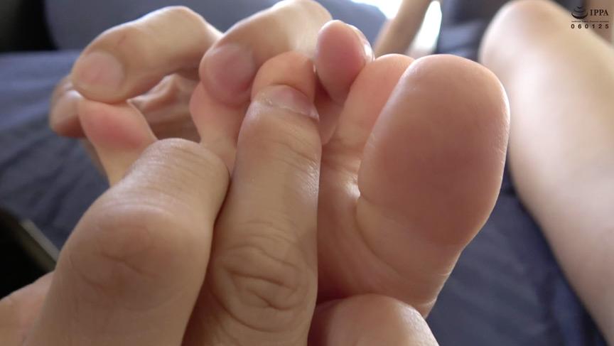 人気女優 新川ゆずチャンの足裏くすぐり拷問プレイ 画像 3
