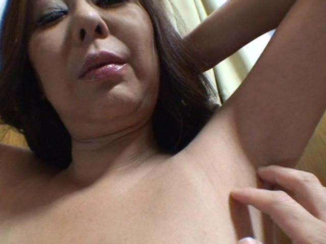 羞恥愛撫にじっとり汗ばみ匂い立つ いやらしい腋の下 画像 7