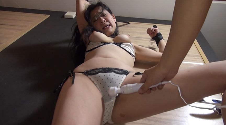 熟女 立ち電マアクメ 画像 16