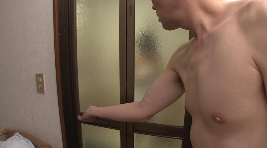 娘の幼馴染が入浴中なのにうっかり扉を開けてしまった俺
