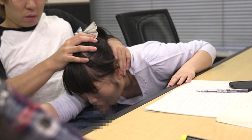 超絶敏感乳首が胸ポチしちゃった女子