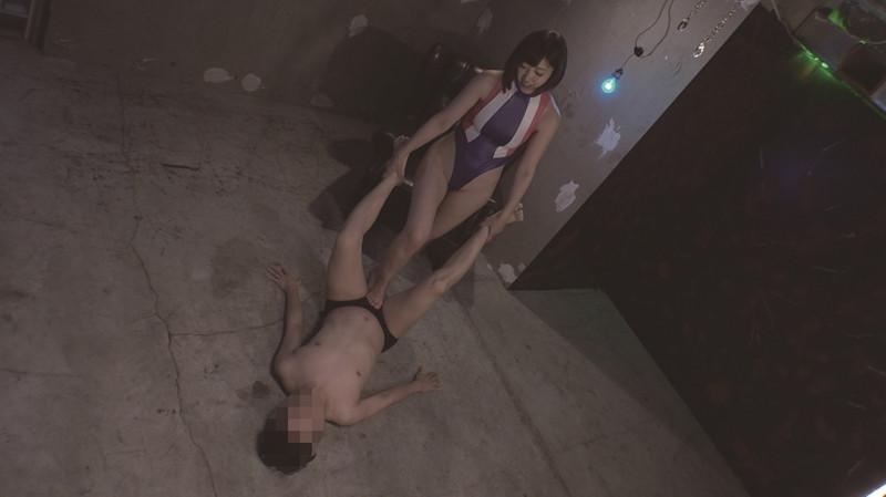 SNSで誘いだした男を監禁・調教している美人OL 水野朝陽 画像 4
