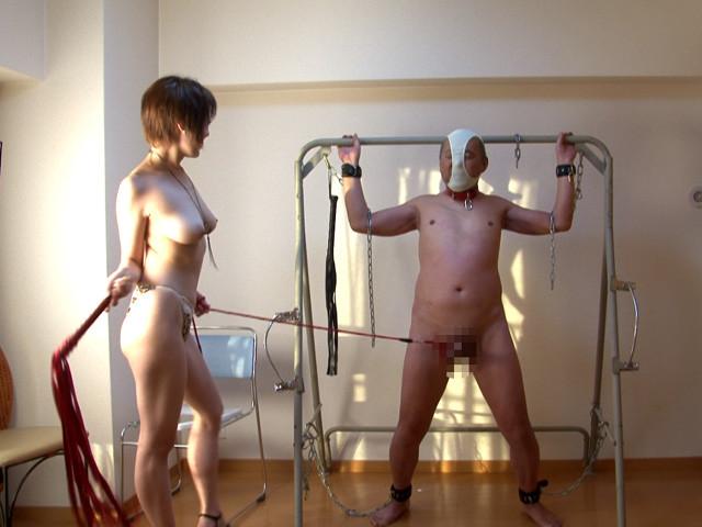 エロい身体の女子大生に家畜奴隷として仕える老いぼれマゾ の画像2