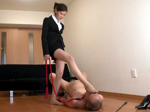 M男チ○ポを発情させる就活女子のムレムレ生足生尻圧迫責め の画像19