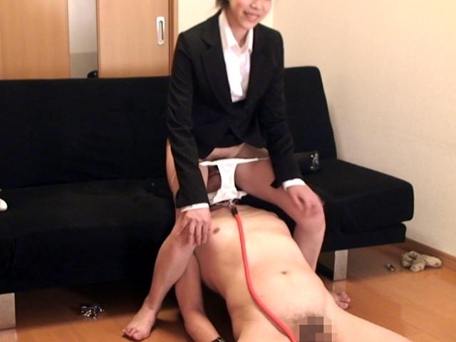 M男チ○ポを発情させる就活女子のムレムレ生足生尻圧迫責め の画像10