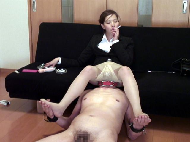 M男チ○ポを発情させる就活女子のムレムレ生足生尻圧迫責め の画像9