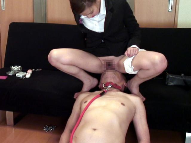 M男チ○ポを発情させる就活女子のムレムレ生足生尻圧迫責め の画像3