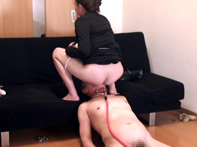 M男チ○ポを発情させる就活女子のムレムレ生足生尻圧迫責め の画像2
