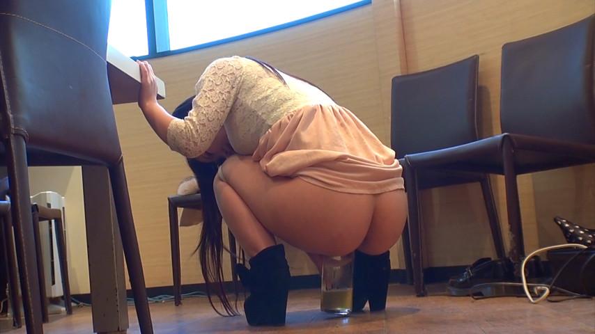 新人AV女優 水野優奈を2日間かけて自宅で飲尿、浴尿調教。生チ○ポをおま○こに挿入したまま、たっぷりと膣内放尿をしました! 3枚目