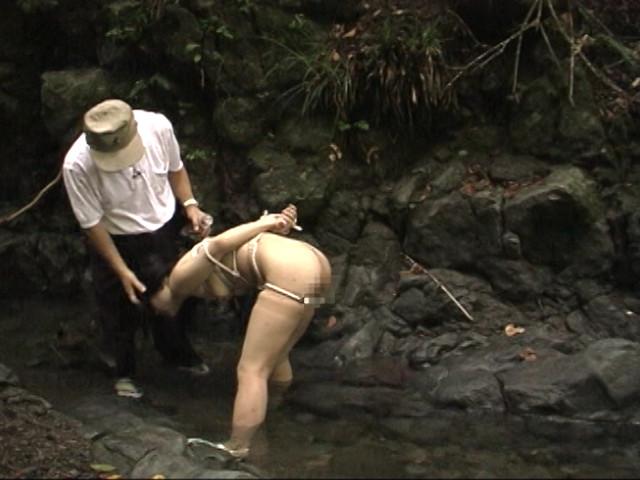 奴隷志願 野外ハードプレイ 画像 11