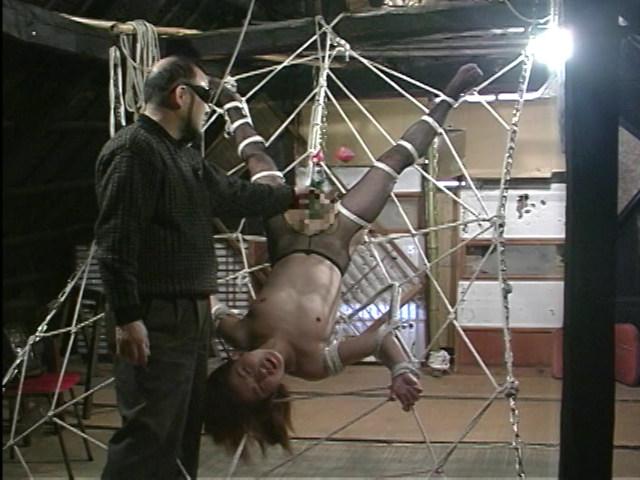 美熟女調教ドライブ 蜘蛛の巣拘束責め 画像 14