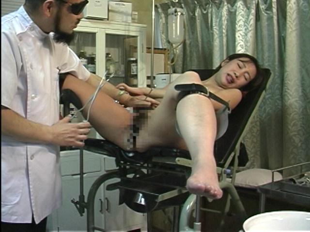 変態産婦人科 アクメ電動ハンド治療 画像 3
