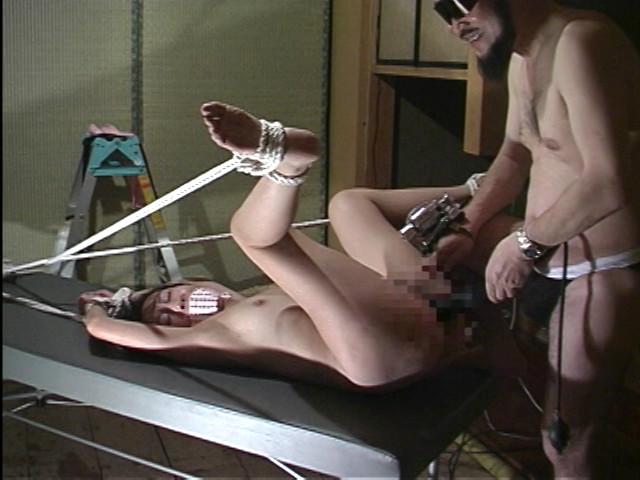 変態産婦人科 アクメ電動ハンド治療 画像 15